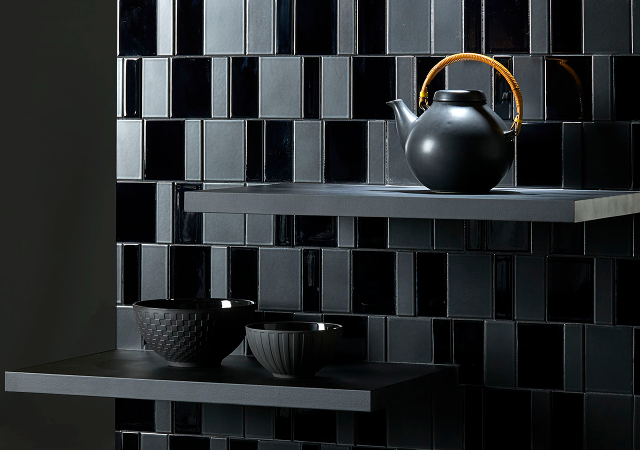 FORMAT-MIX black by inax tile showcasing a kitchen.